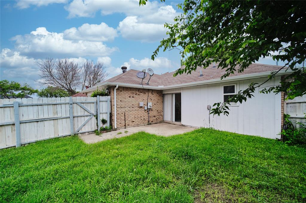 814 Springfield  Drive, Cedar Hill, Texas 75104 - acquisto real estaet best boutique real estate firm in texas for high net worth sellers