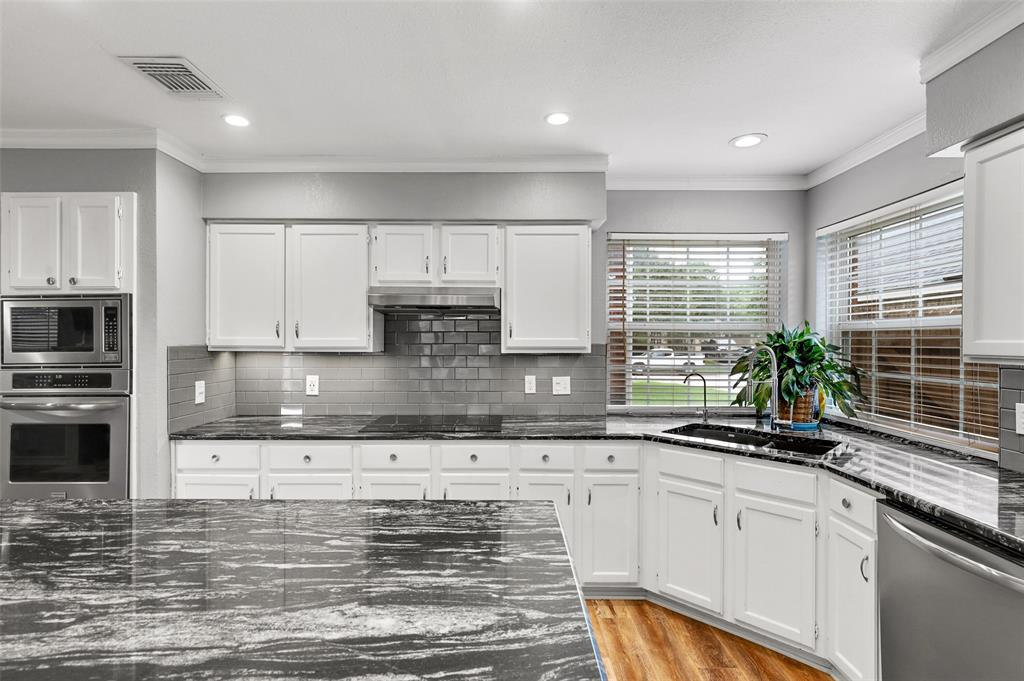 348 Clayton  Street, Grand Prairie, Texas 75052 - acquisto real estate best style realtor kim miller best real estate reviews dfw