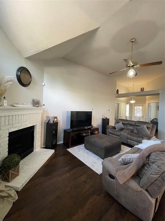 1205 Calvert  Drive, Cedar Hill, Texas 75104 - acquisto real estate best allen realtor kim miller hunters creek expert