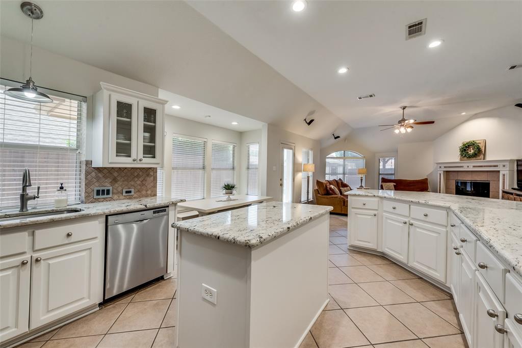 808 Amber  Court, Allen, Texas 75002 - acquisto real estate best style realtor kim miller best real estate reviews dfw