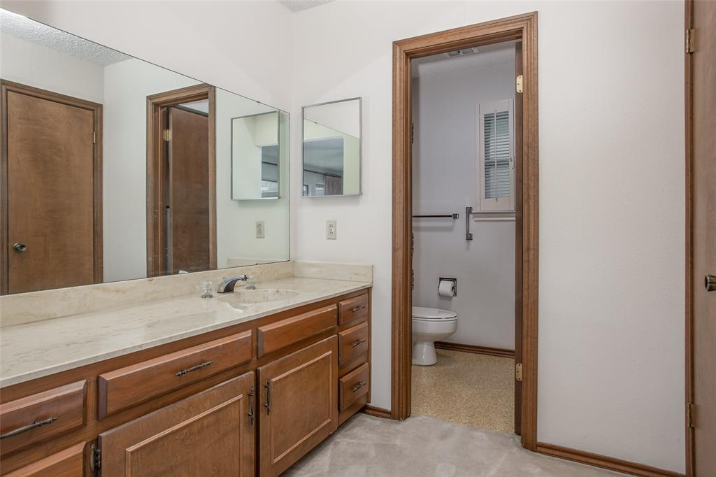 1513 Northcrest  Court, Fort Worth, Texas 76107 - acquisto real estate best investor home specialist mike shepherd relocation expert