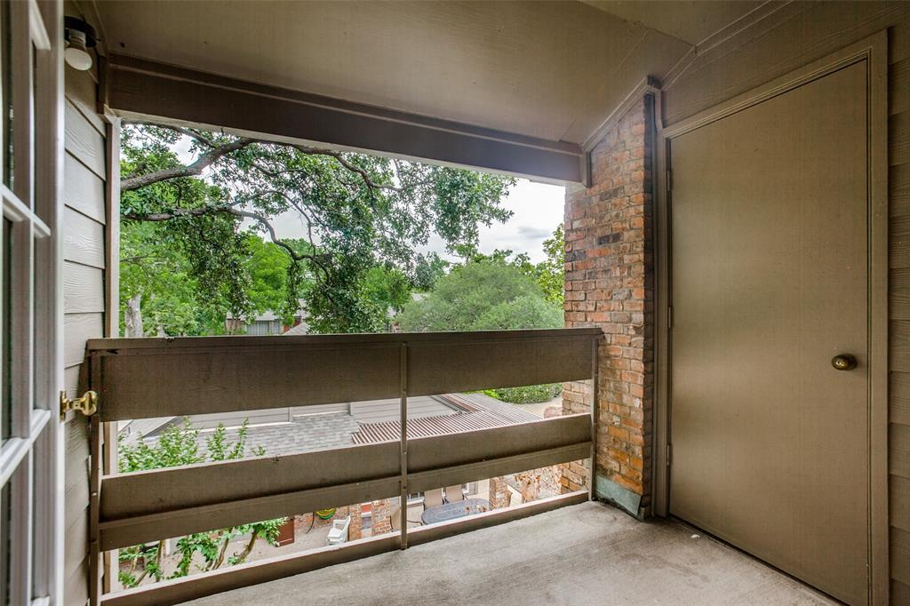 9801 Royal  Lane, Dallas, Texas 75231 - acquisto real estate best real estate company in frisco texas real estate showings