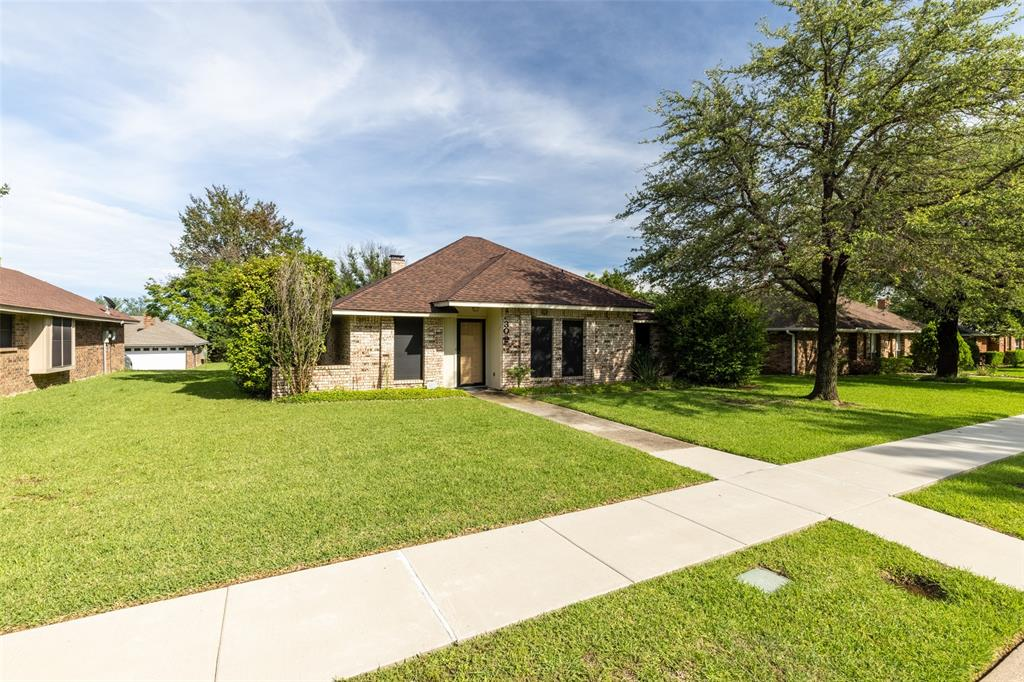 302 Barclay  Avenue, Coppell, Texas 75019 - acquisto real estate best allen realtor kim miller hunters creek expert