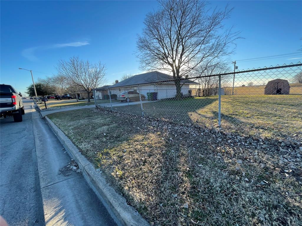 6704 Sayle  Street, Greenville, Texas 75402 - acquisto real estate best flower mound realtor jody daley lake highalands agent of the year