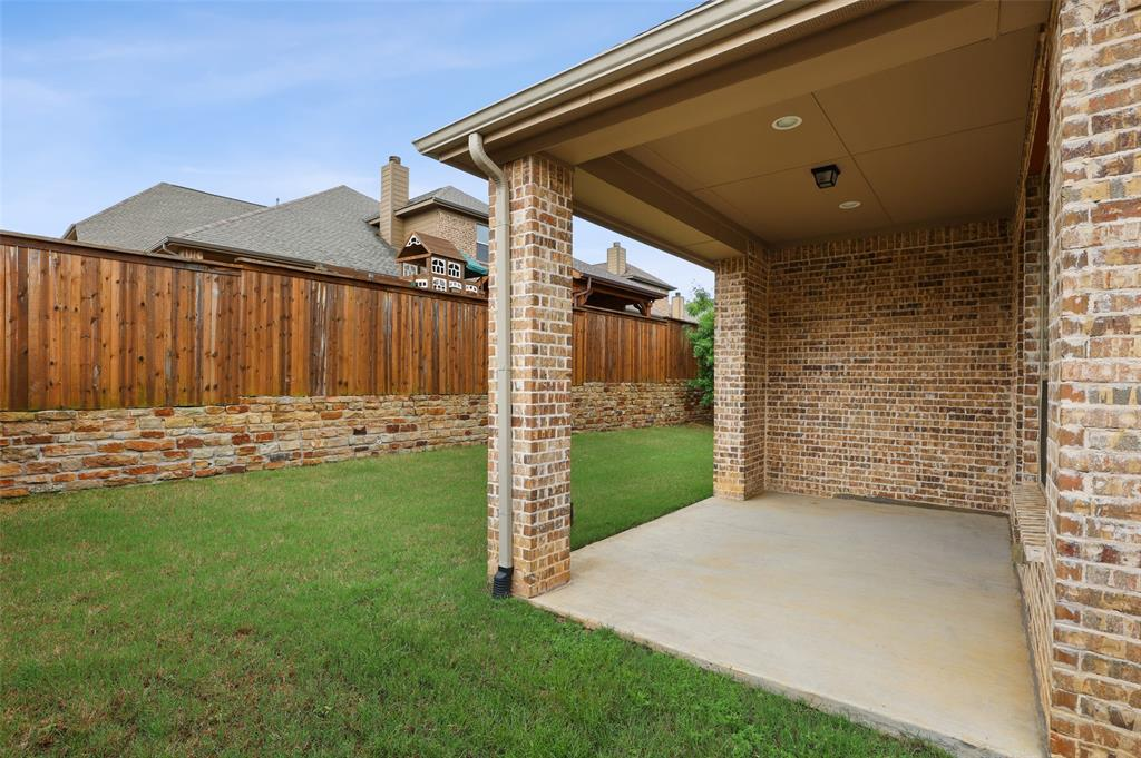 1624 Golf Club  Drive, Lantana, Texas 76226 - acquisto real estate best luxury home specialist shana acquisto