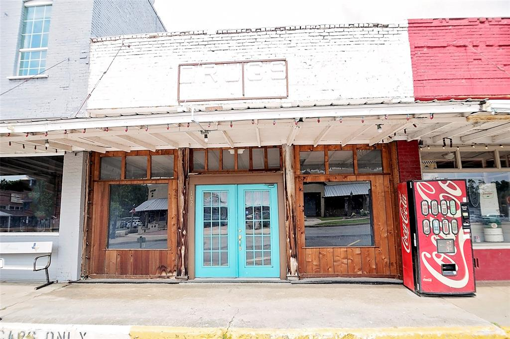 102 Main  Street, Collinsville, Texas 76233 - Acquisto Real Estate best plano realtor mike Shepherd home owners association expert