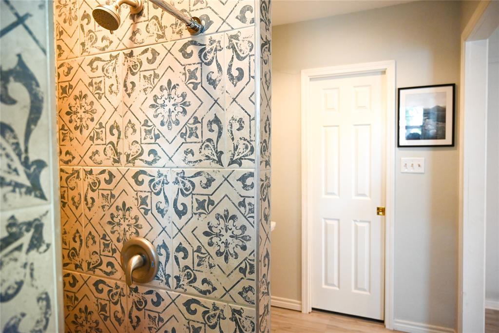 136 Umphress  Street, Van Alstyne, Texas 75495 - acquisto real estate best designer and realtor hannah ewing kind realtor