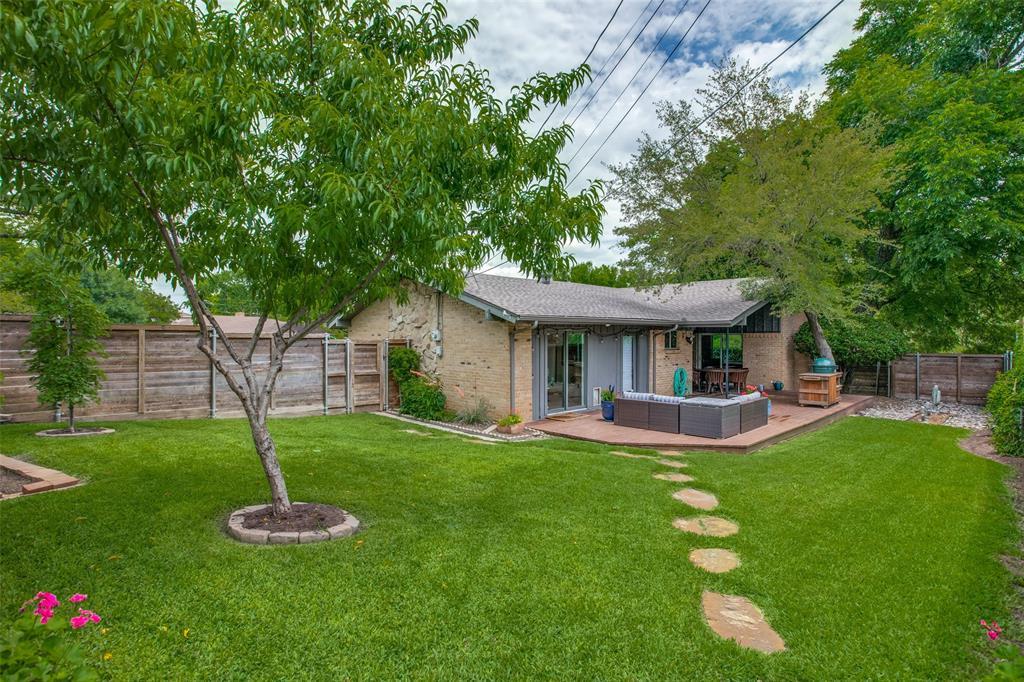 10033 Lake Highlands  Place, Dallas, Texas 75218 - acquisto real estate best negotiating realtor linda miller declutter realtor