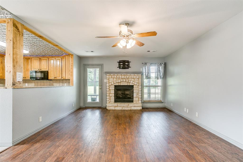 1107 6th  Street, Springtown, Texas 76082 - acquisto real estate best the colony realtor linda miller the bridges real estate