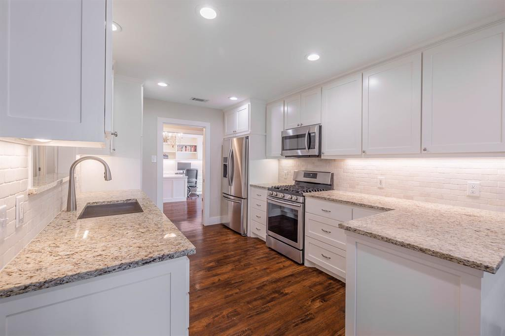 2834 Harvest Hill  Drive, Grapevine, Texas 76051 - acquisto real estate best highland park realtor amy gasperini fast real estate service