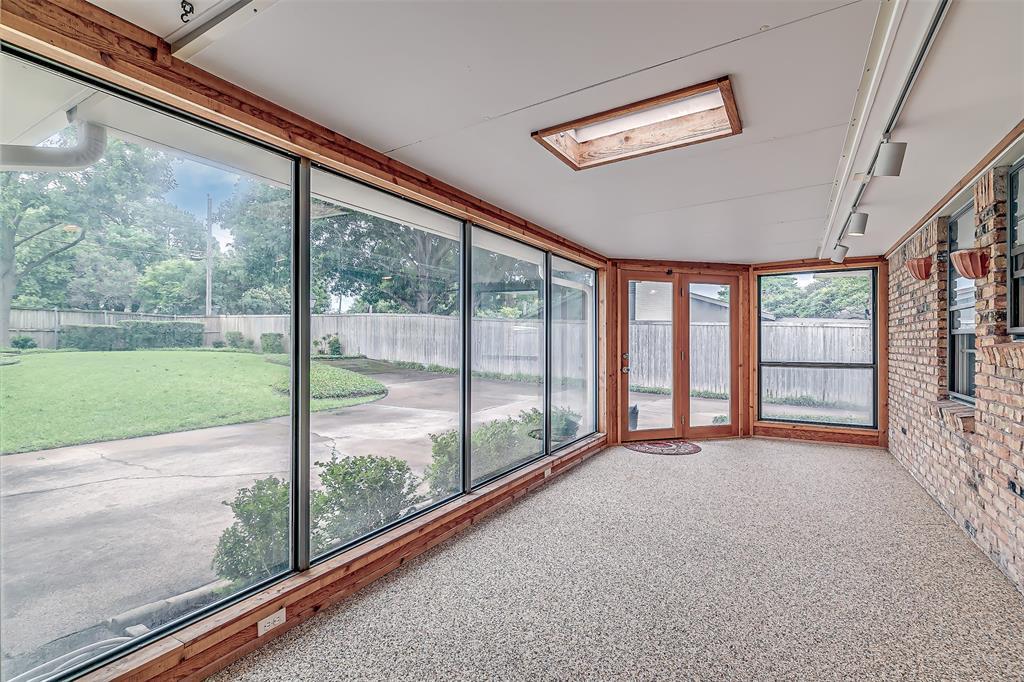 9018 Flicker  Lane, Dallas, Texas 75238 - acquisto real estate best photos for luxury listings amy gasperini quick sale real estate