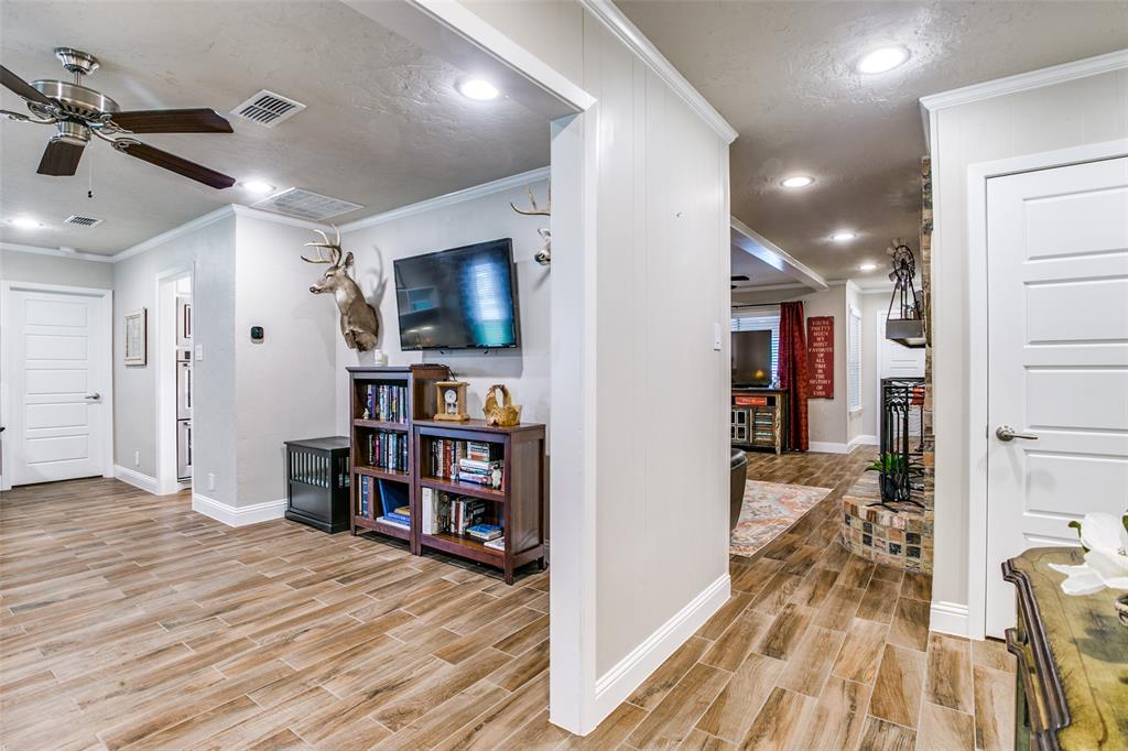 809 Wheelwood  Drive, Hurst, Texas 76053 - acquisto real estate best prosper realtor susan cancemi windfarms realtor