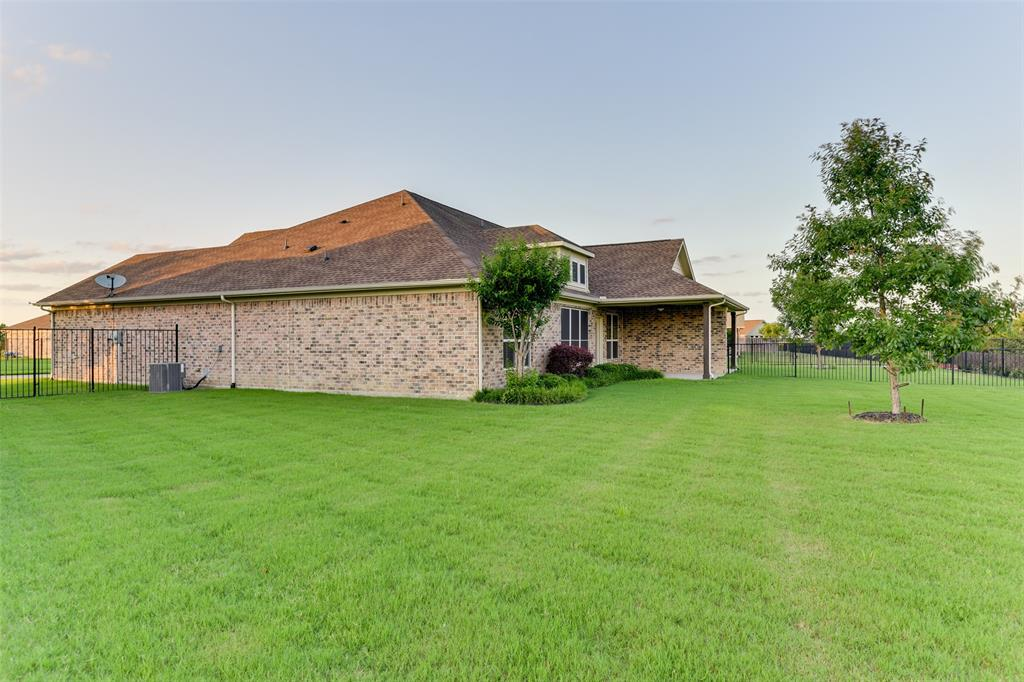 104 Terra Verde  Court, Waxahachie, Texas 75165 - acquisto real estate best frisco real estate agent amy gasperini panther creek realtor