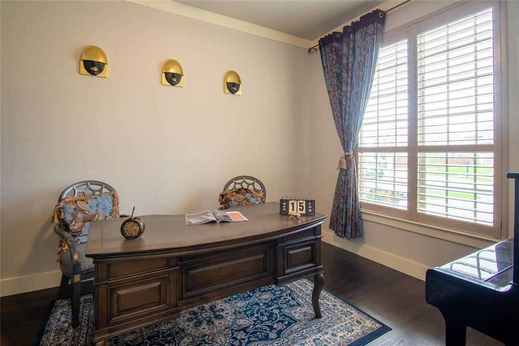 1317 Scarlet Oak  Drive, Arlington, Texas 76005 - acquisto real estate best celina realtor logan lawrence best dressed realtor