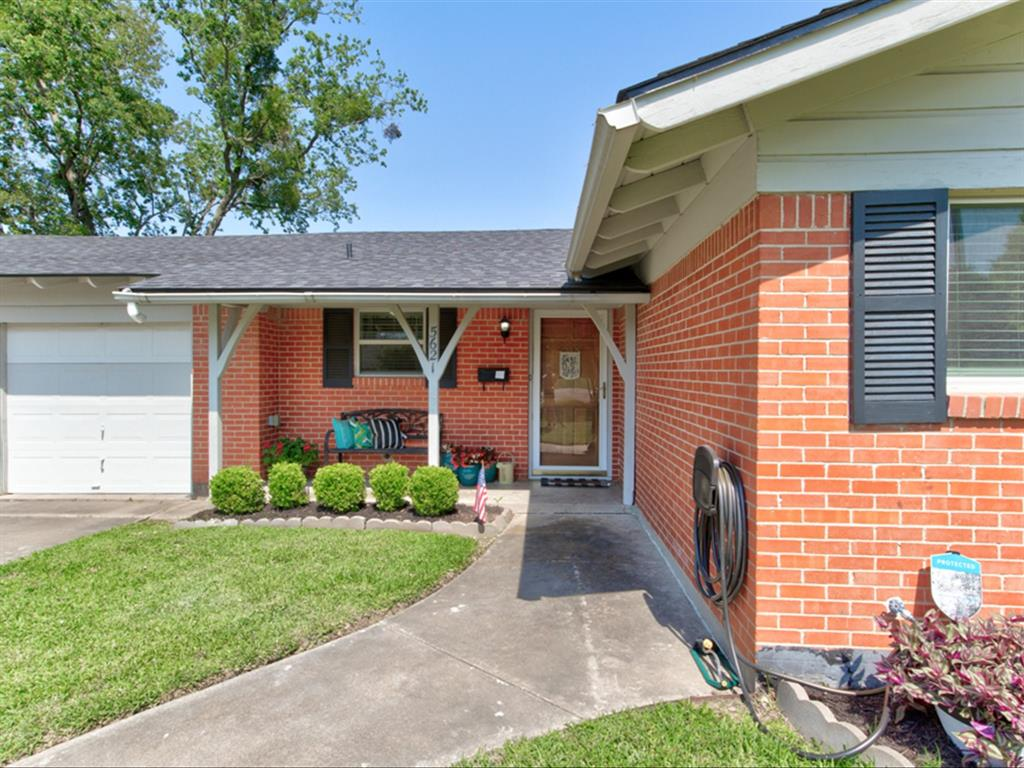 5621 Wedgworth  Road, Fort Worth, Texas 76133 - acquisto real estate best the colony realtor linda miller the bridges real estate
