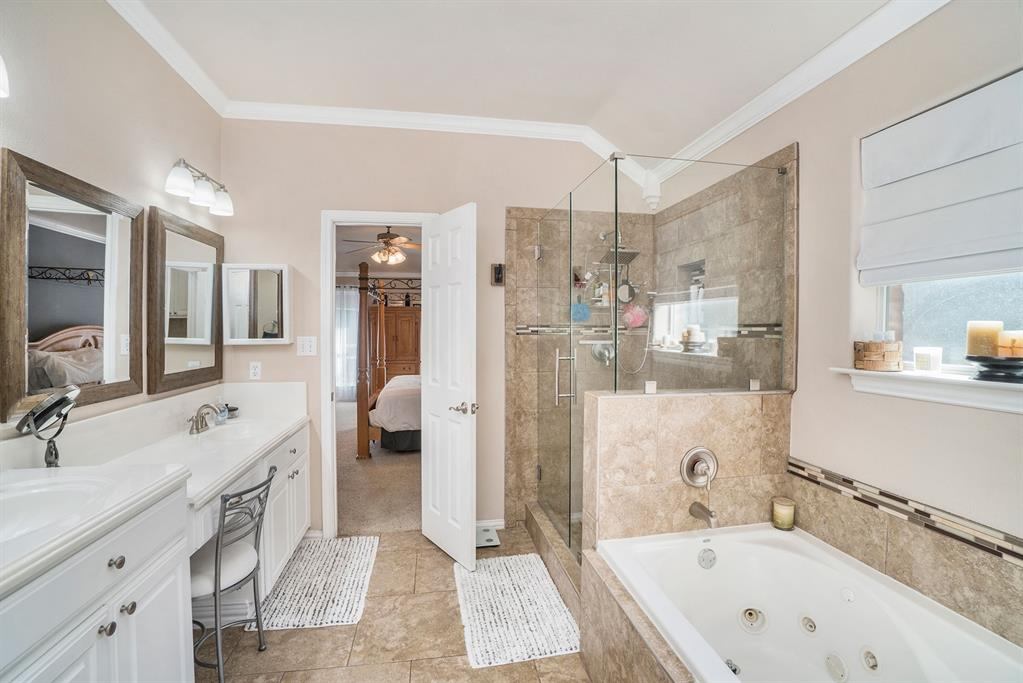 1608 Donna  Lane, Bedford, Texas 76022 - acquisto real estate best style realtor kim miller best real estate reviews dfw