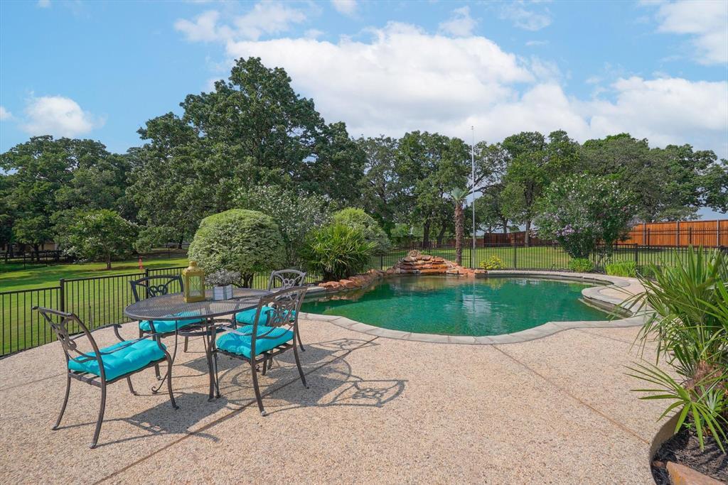 100 Maple Leaf  Double Oak, Texas 75077 - acquisto real estate mvp award real estate logan lawrence
