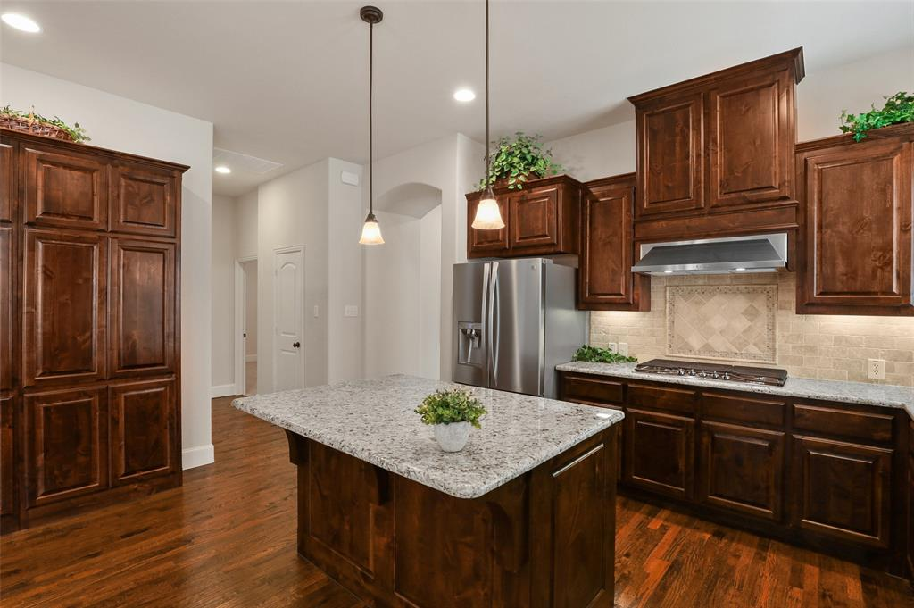1624 Golf Club  Drive, Lantana, Texas 76226 - acquisto real estate best luxury buyers agent in texas shana acquisto inheritance realtor