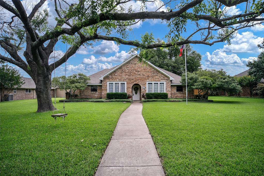 210 Mesa  Drive, Sunnyvale, Texas 75182 - Acquisto Real Estate best plano realtor mike Shepherd home owners association expert