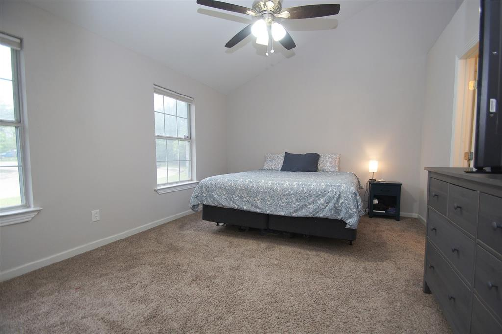 1027 Flower  Drive, Arlington, Texas 76017 - acquisto real estate best real estate company to work for