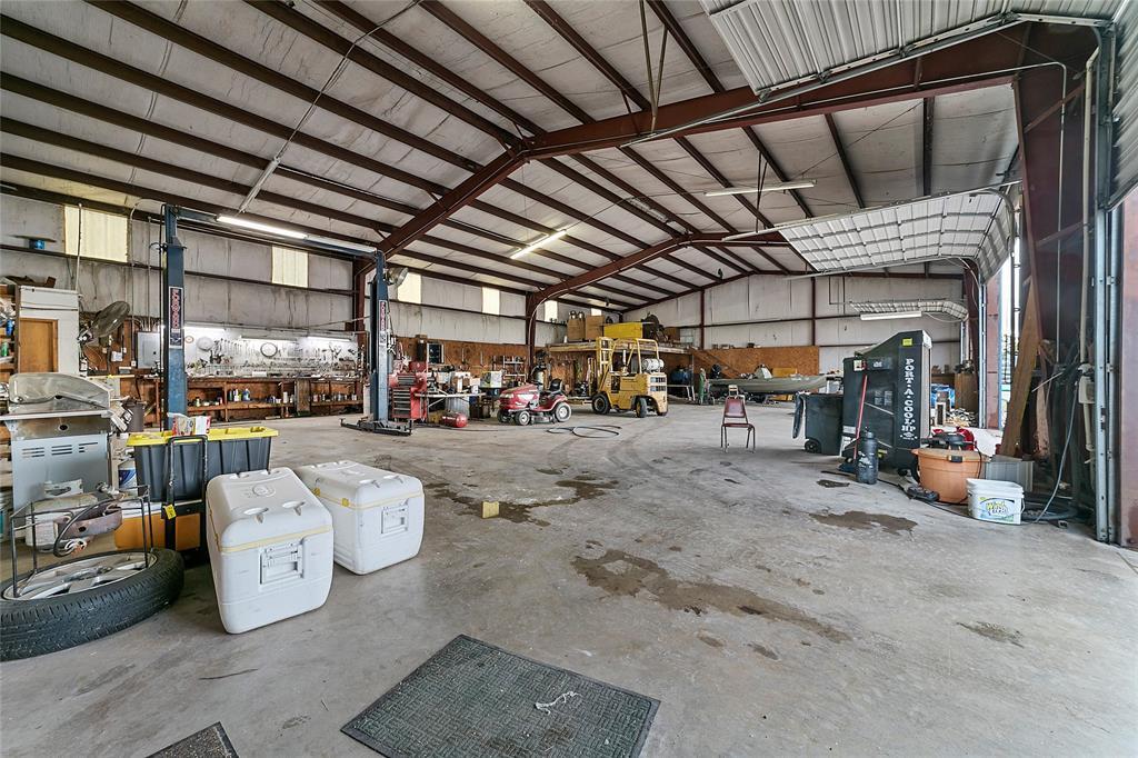 2405 Highway 82  Gainesville, Texas 76240 - acquisto real estate best prosper realtor susan cancemi windfarms realtor