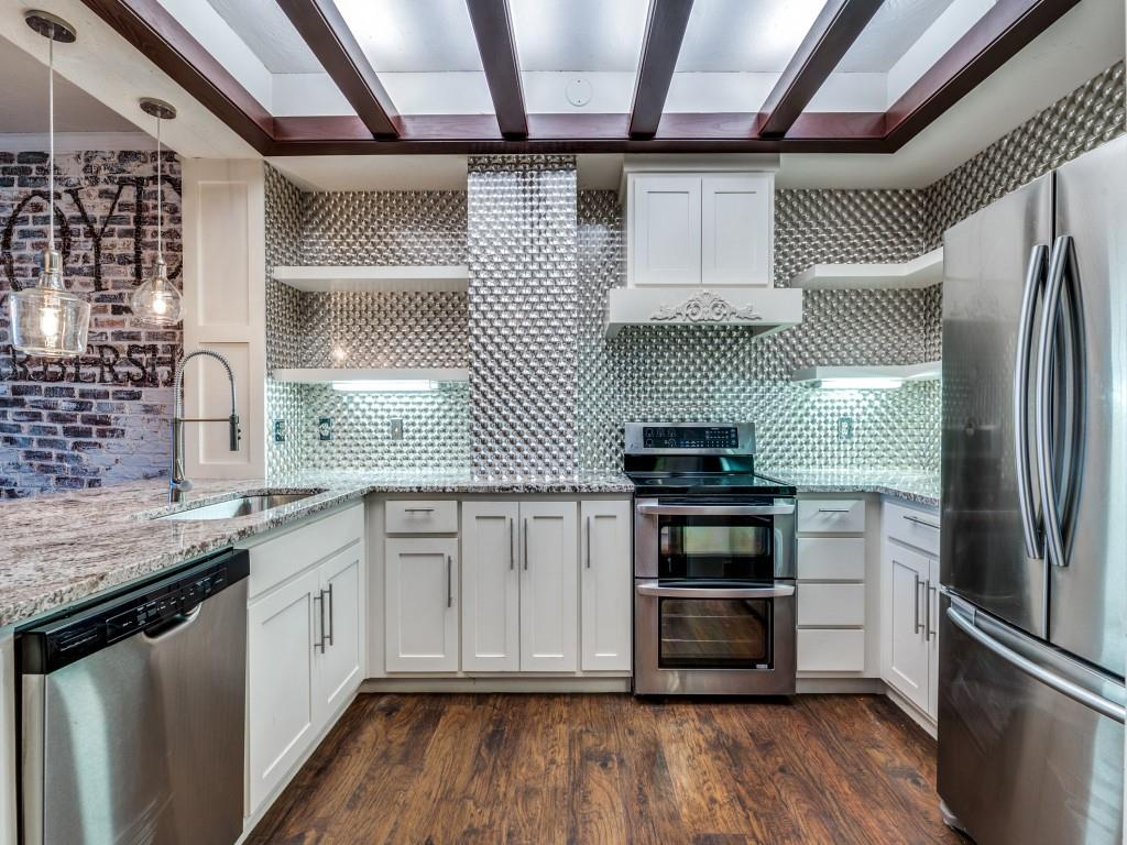2100 Reflection Bay  Drive, Arlington, Texas 76013 - acquisto real estate best designer and realtor hannah ewing kind realtor