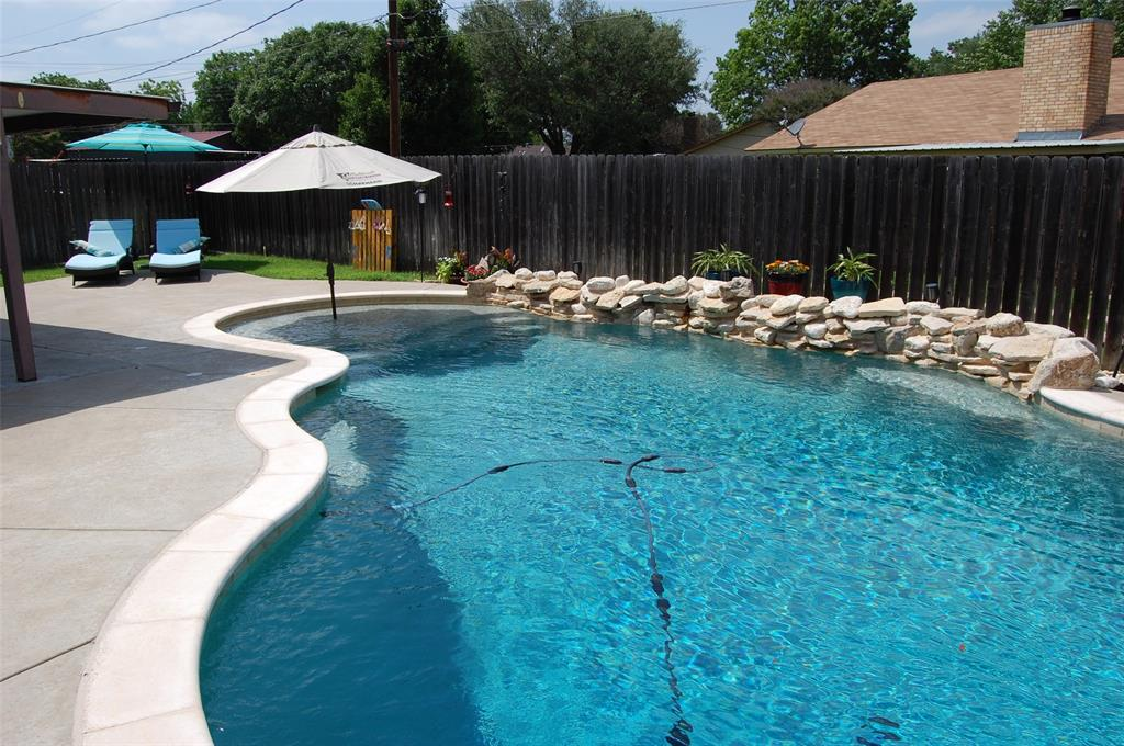 1402 Los Colinos  Court, Graham, Texas 76450 - acquisto real estate best realtor dallas texas linda miller agent for cultural buyers