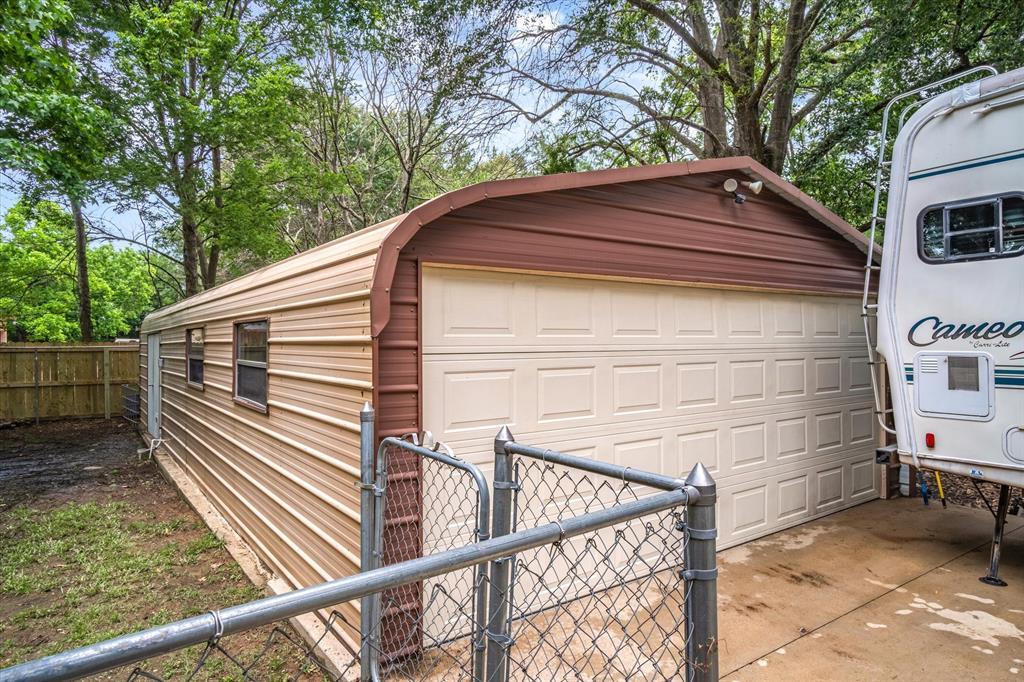 802 Lindy  Drive, Grand Saline, Texas 75140 - acquisto real estate best realtor dfw jody daley liberty high school realtor