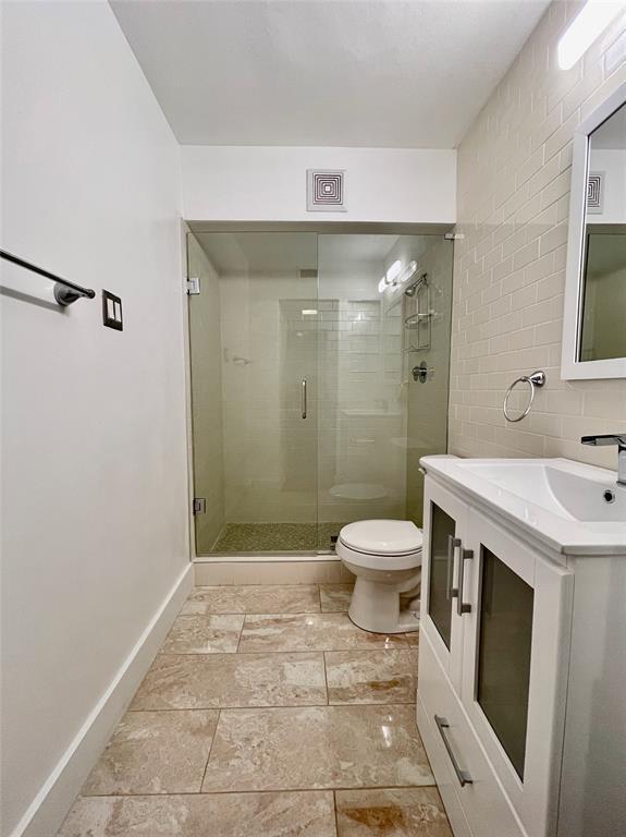2711 Hood  Street, Dallas, Texas 75219 - acquisto real estate best highland park realtor amy gasperini fast real estate service