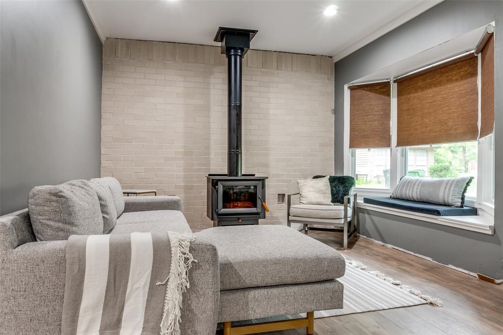 920 Avenue D  Garland, Texas 75040 - acquisto real estate best negotiating realtor linda miller declutter realtor