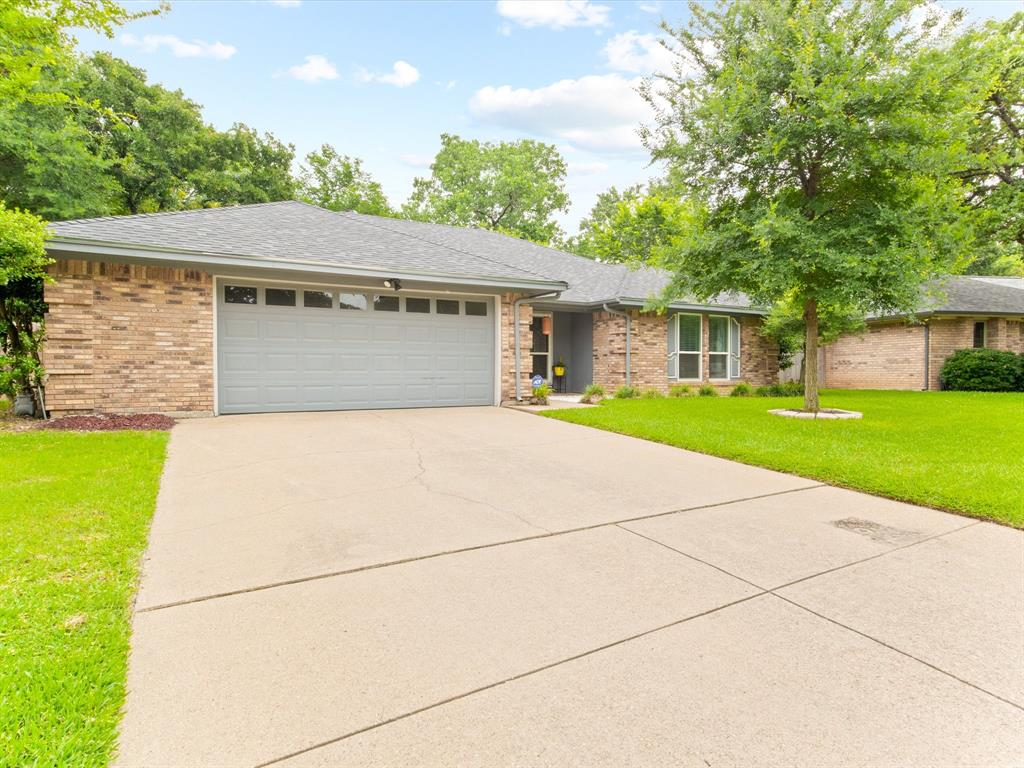 4509 Grey Dawn  Drive, Arlington, Texas 76017 - Acquisto Real Estate best plano realtor mike Shepherd home owners association expert