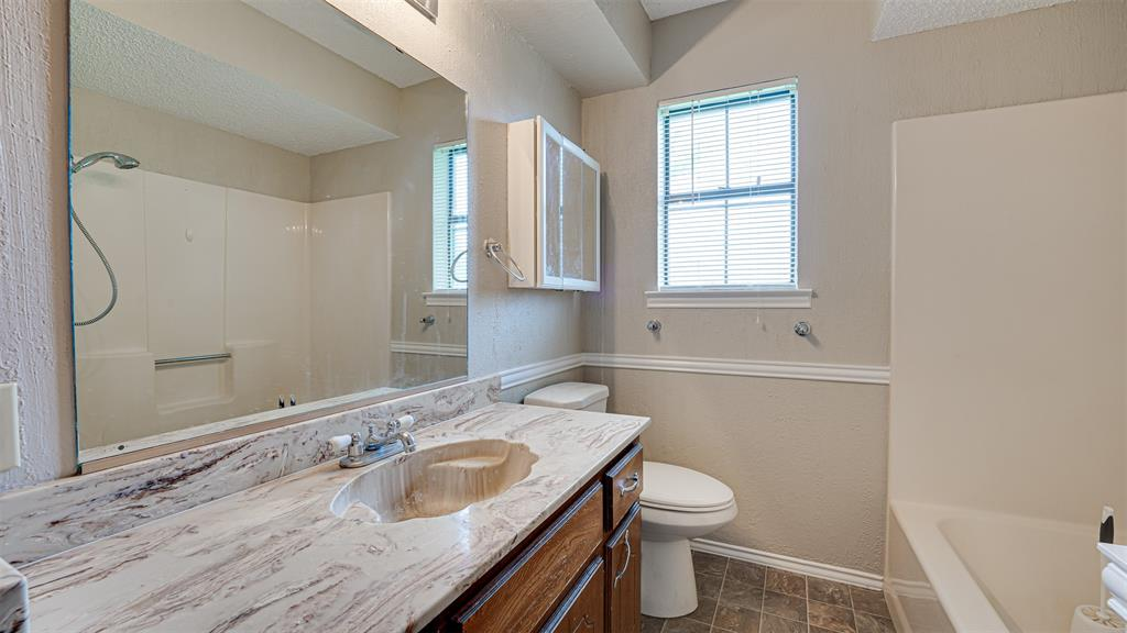 329 Hyles  Street, Italy, Texas 76651 - acquisto real estate best designer and realtor hannah ewing kind realtor