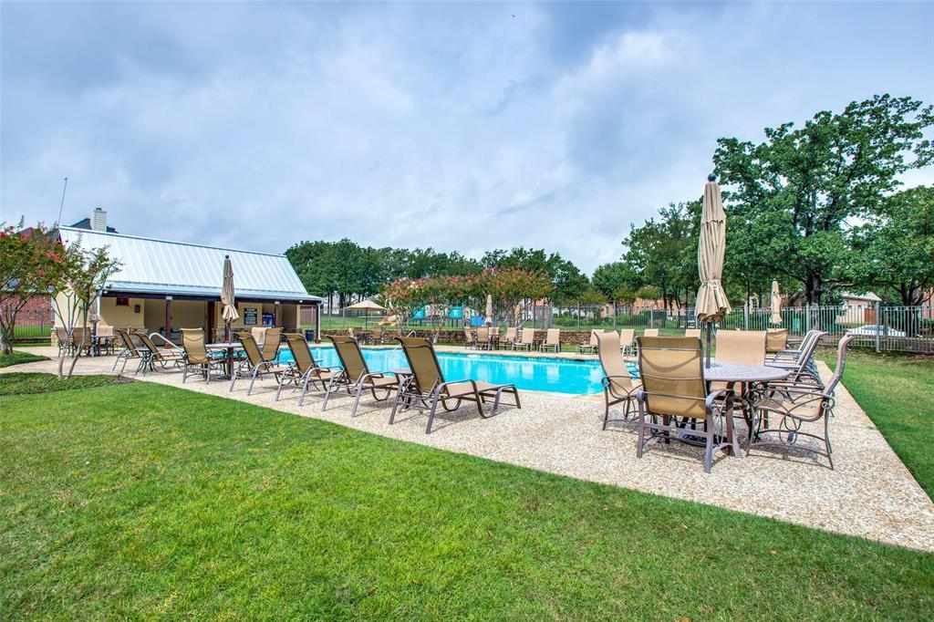 1308 Foxglove  Circle, Lantana, Texas 76226 - acquisto real estate best realtor foreclosure real estate mike shepeherd walnut grove realtor