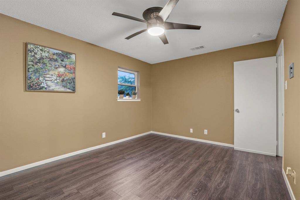 800 Prestwick  Street, Bedford, Texas 76022 - acquisto real estate best listing photos hannah ewing mckinney real estate expert
