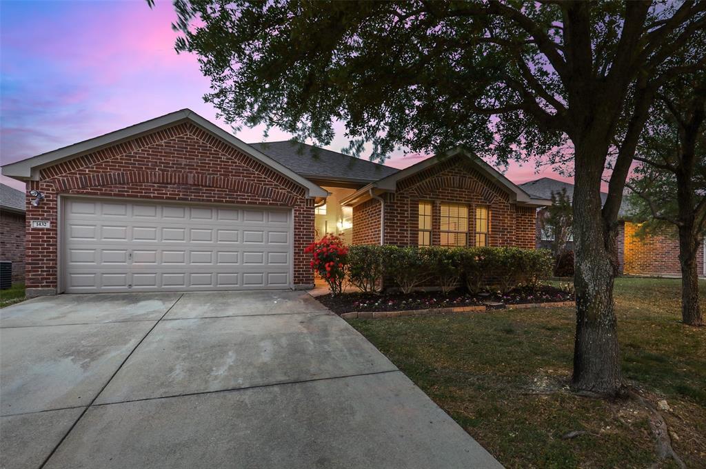 1432 Castlegar  Lane, Fort Worth, Texas 76247 - acquisto real estate best relocation company in america katy mcgillen