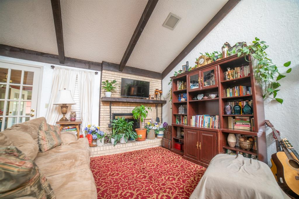 9944 Dickens  Drive, Benbrook, Texas 76126 - acquisto real estate best prosper realtor susan cancemi windfarms realtor