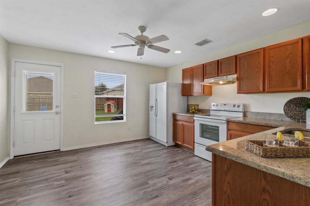 813 Rio Bravo  Drive, Fort Worth, Texas 76052 - acquisto real estate best highland park realtor amy gasperini fast real estate service