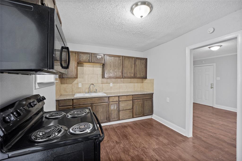 3138 Ramsey  Avenue, Dallas, Texas 75216 - acquisto real estate best highland park realtor amy gasperini fast real estate service
