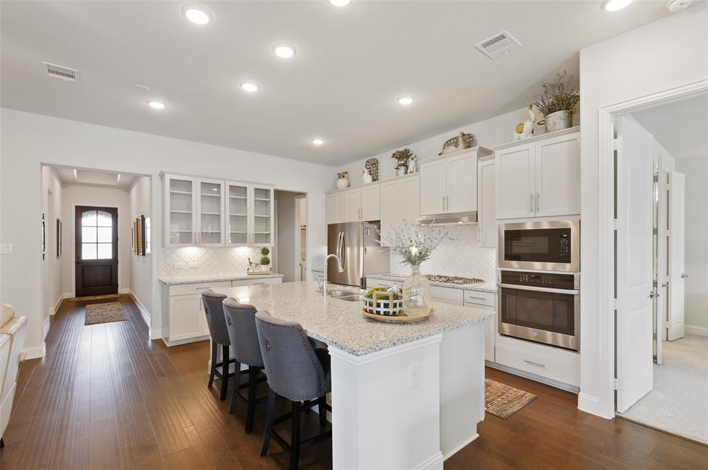 7624 Westgate  The Colony, Texas 75056 - acquisto real estate best real estate company to work for