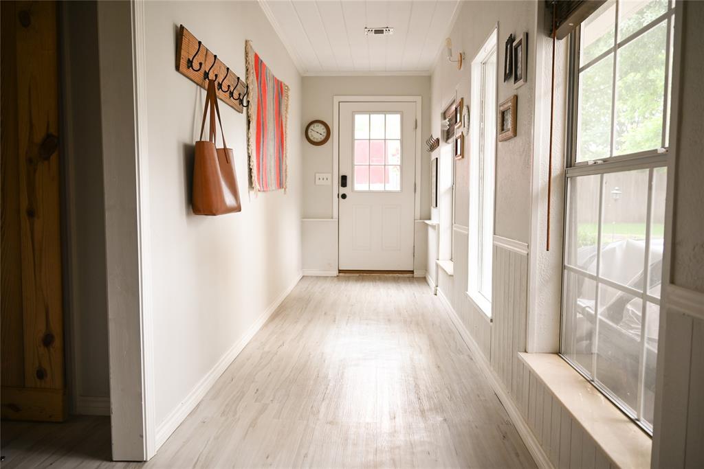 136 Umphress  Street, Van Alstyne, Texas 75495 - acquisto real estate best realtor foreclosure real estate mike shepeherd walnut grove realtor