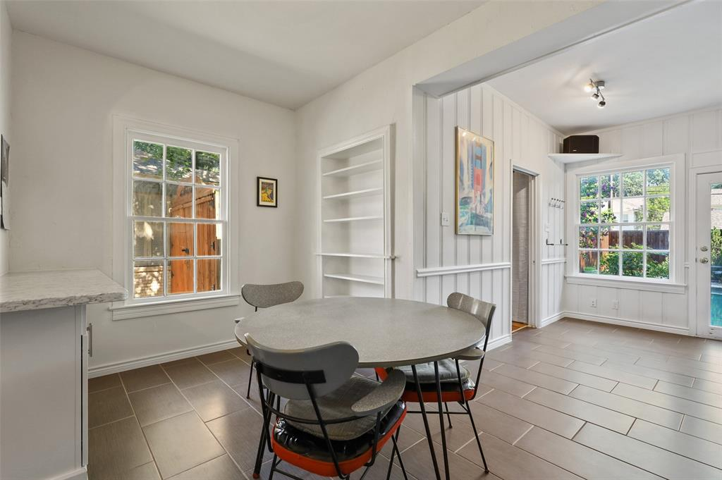 5935 Vanderbilt  Avenue, Dallas, Texas 75206 - acquisto real estate best photos for luxury listings amy gasperini quick sale real estate