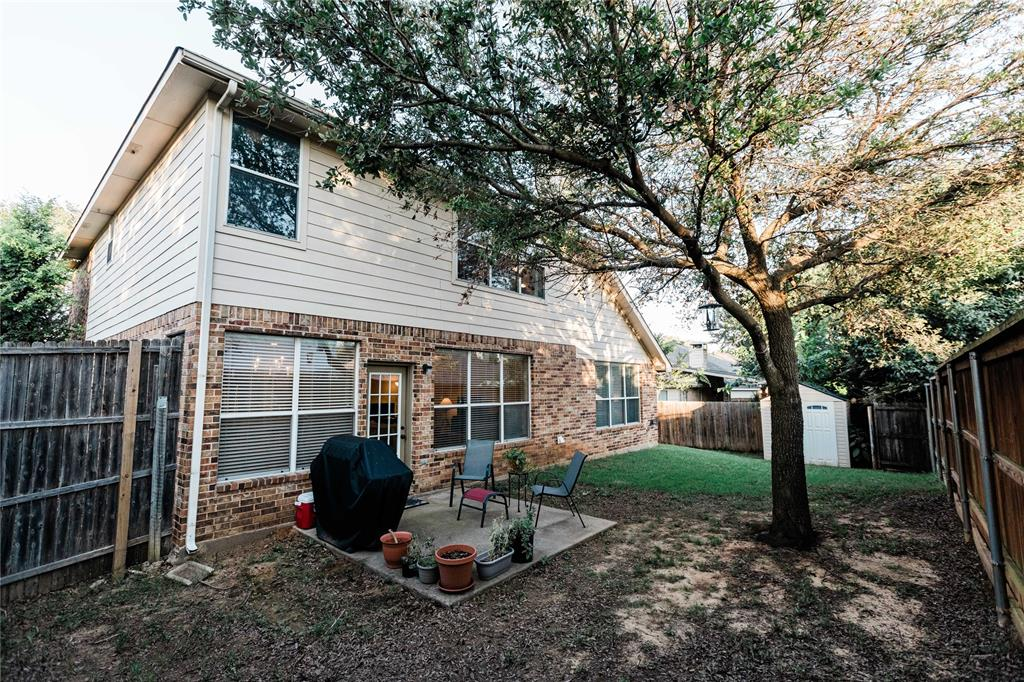 1203 Wentwood  Drive, Corinth, Texas 76210 - acquisto real estate mvp award real estate logan lawrence