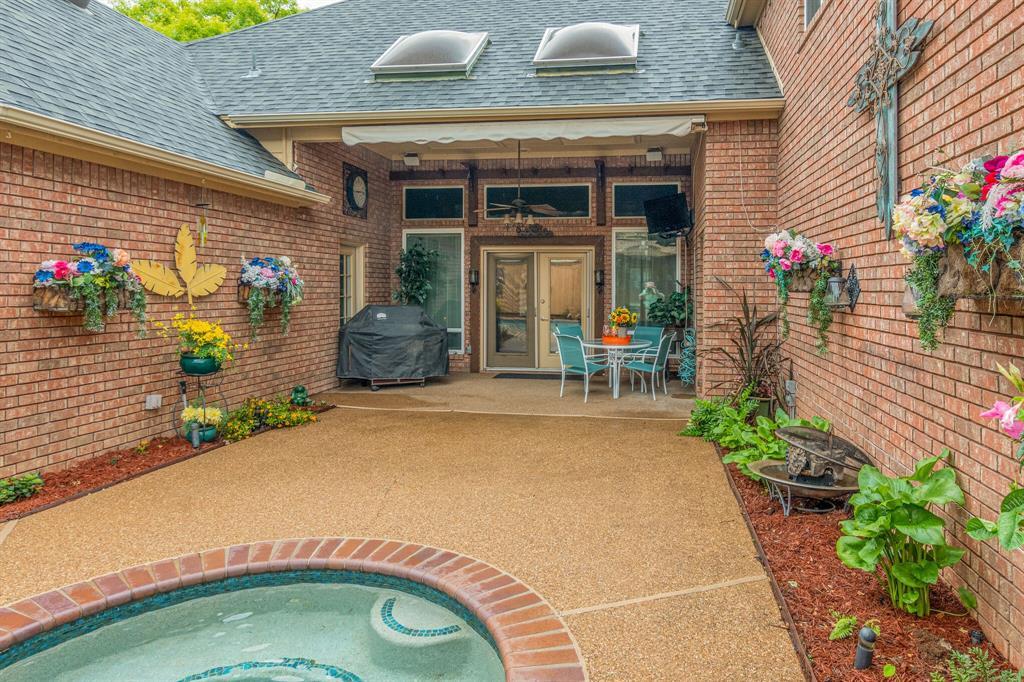 1422 Sweetgum  Circle, Keller, Texas 76248 - acquisto real estate best looking realtor in america shana acquisto