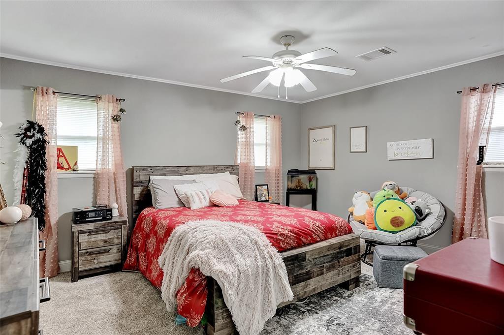 205 Broadway  Street, Whitesboro, Texas 76273 - acquisto real estate best negotiating realtor linda miller declutter realtor