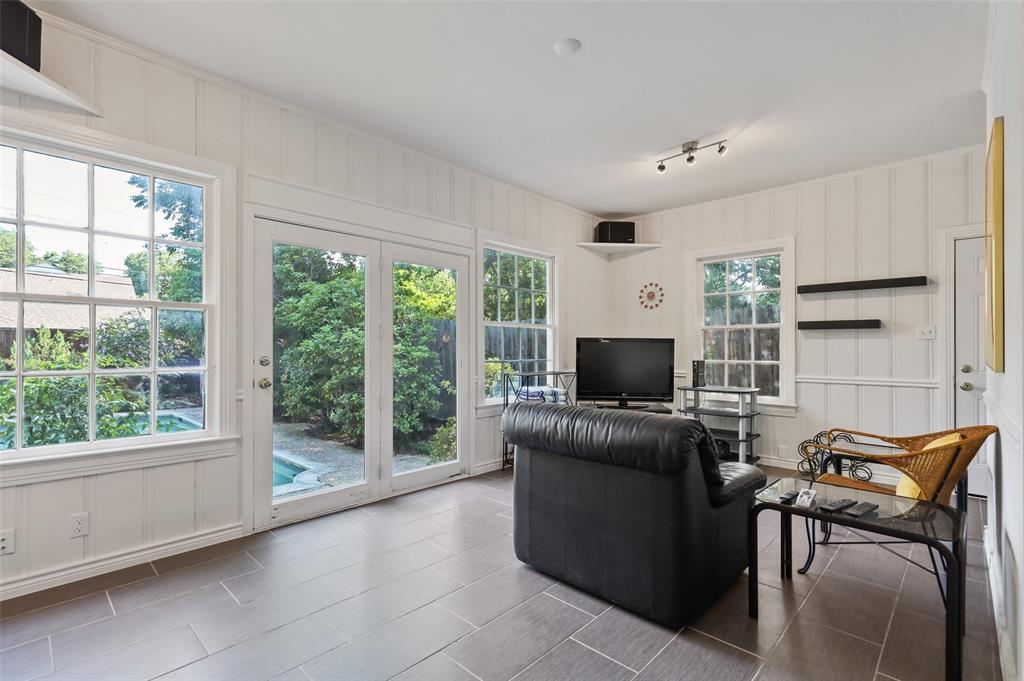 5935 Vanderbilt  Avenue, Dallas, Texas 75206 - acquisto real estate best investor home specialist mike shepherd relocation expert