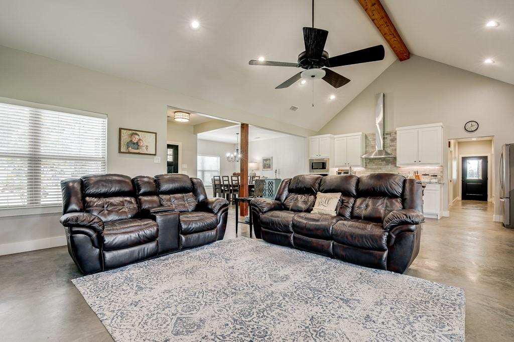 18128 Briarwood  Drive, Kemp, Texas 75143 - acquisto real estate best real estate company to work for