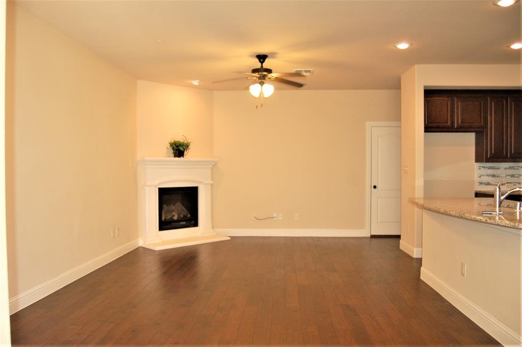 4409 Fisk  Lane, Carrollton, Texas 75010 - acquisto real estate best the colony realtor linda miller the bridges real estate