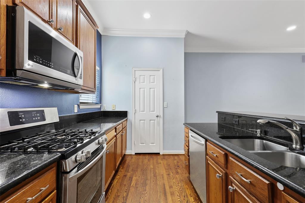 3111 Cedarplaza  Lane, Dallas, Texas 75235 - acquisto real estate best real estate company to work for