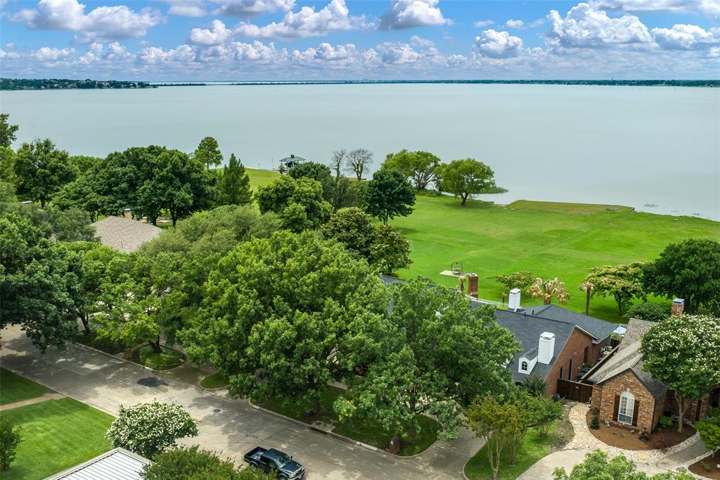 303 Stonebridge  Drive, Rockwall, Texas 75087 - Acquisto Real Estate best plano realtor mike Shepherd home owners association expert