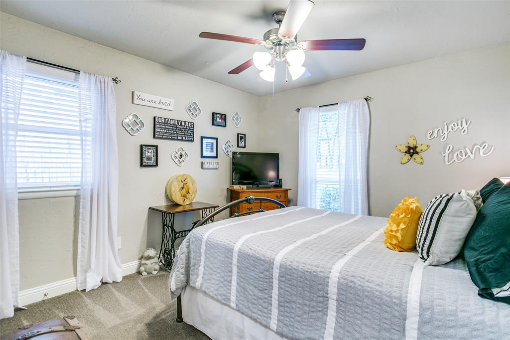 809 Wheelwood  Drive, Hurst, Texas 76053 - acquisto real estate best investor home specialist mike shepherd relocation expert